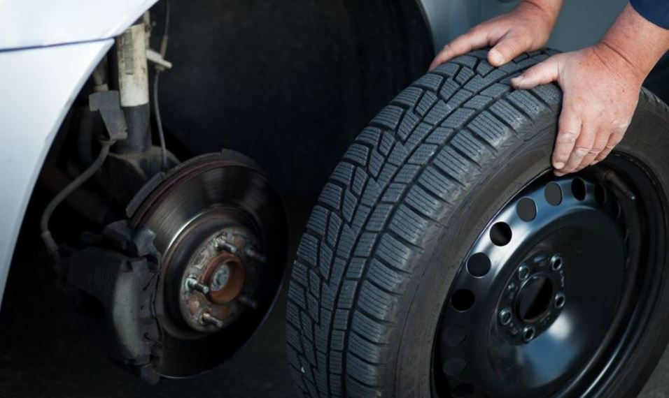 Downey Towing - Tire Change